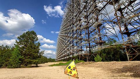 """想要摆?#36873;?#40657;色旅游地""""标签的切尔?#24403;?#21033;核电站,对旅客来说真的安全吗?"""