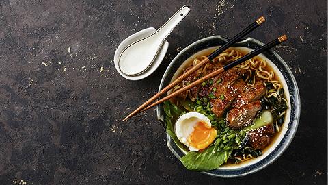 """【专访】《拉面》作者顾若鹏:""""国民饮食""""是一种被发明的传统"""