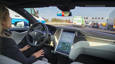特斯拉全自動駕駛功能再度上線,不過馬上又要漲價了