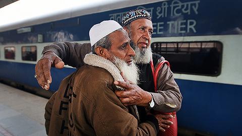 """巴基斯坦决定暂停巴印""""友谊快车"""",巴铁道部长:只要我还在就不开"""