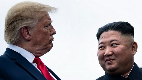 """特朗普再收金正恩信件:三页长""""美好""""的信中,有对美韩军演的不满"""
