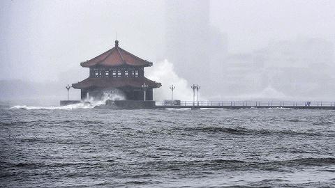 """【界面早报】台风""""利奇马""""致6省市651万人受灾 北大申请补录两名河南退档生"""
