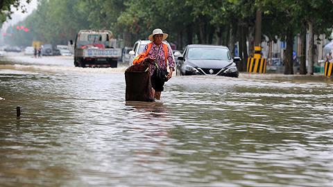 """台风""""利奇马""""已致山东165万人受灾,5人死亡7人失踪"""