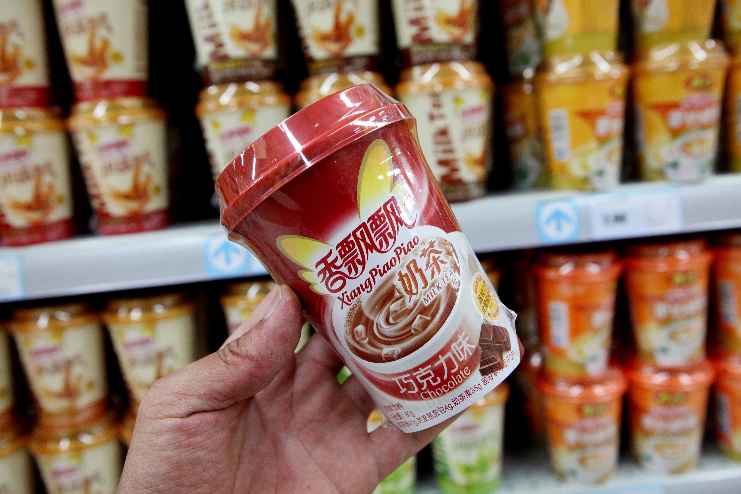 果汁茶卖了5.88亿香飘飘上半年扭亏,销售费用居高不下股价大挫近8%