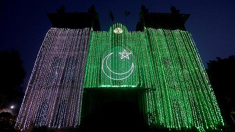 独立日巴总理突访克什米尔,声援同胞彰显团结