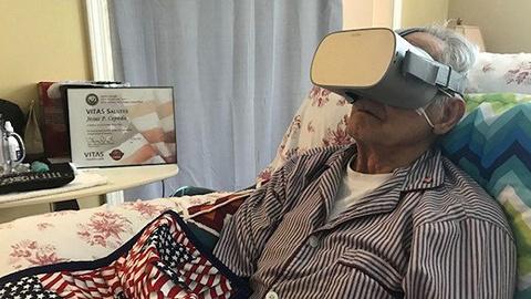 """【一周影像资讯】加拿大推出""""实时山火""""电脑桌面;日本让临终人士用VR看风景"""