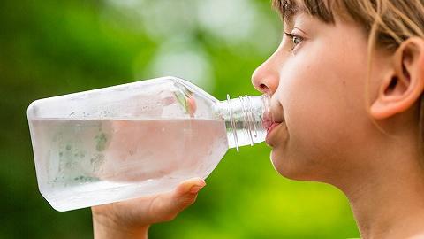 世卫新报告:未发明饮用水微塑料对人无益,需掌握更众cl1024社区最新址2019地址一