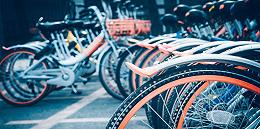 """贴一张一毛钱,日贴千辆共享单车的""""幕后黑手""""是谁?"""