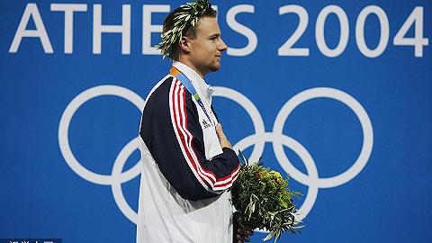 【体育晚报】美国射击名将埃文斯宣布退役 金足奖候选梅西、C罗领衔