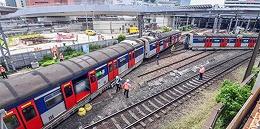 港铁脱轨:林郑月娥要求全面调查,警方看现场监控
