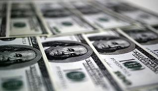 【财经数据】中国7?#24405;醭置?#20538;22亿美元