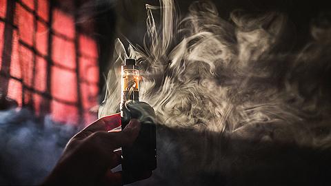 鋰電池廠商億緯鋰能市值蒸發超百億,成敗皆因電子煙