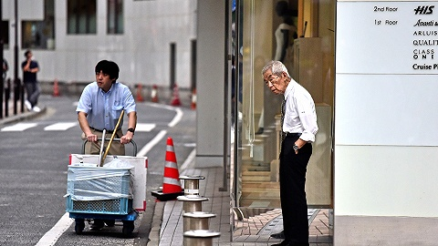 """老龄化困境之下,日本""""银发上班族""""成常态"""