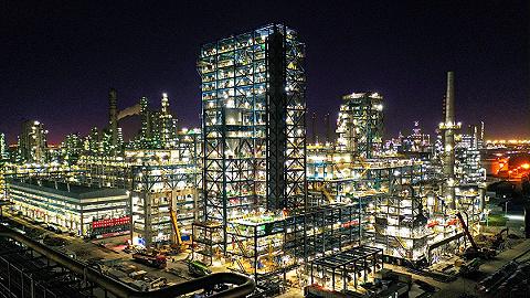 """【工業之美】這套裝置擁有全球最大加氫反應器,可將渣油""""吃干榨凈"""""""