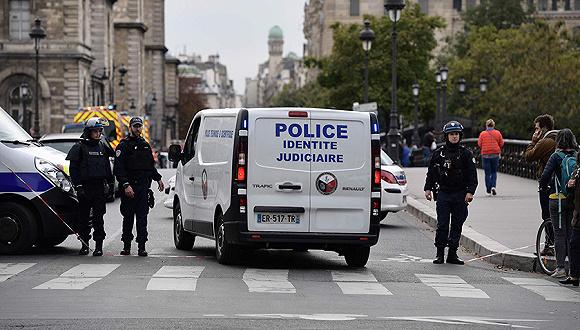 巴黎警局总部发生袭警,四人遇害,凶手当场被击毙