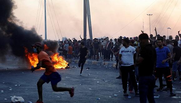 伊拉克連日示威致近百人死亡,局勢驟緊聯合國呼吁停止暴力