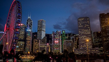 國慶赴港游客銳減超五成,零售業受重創