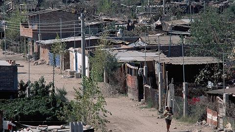 易地扶貧搬遷建設取得決定性進展,年底前將基本完成搬遷任務
