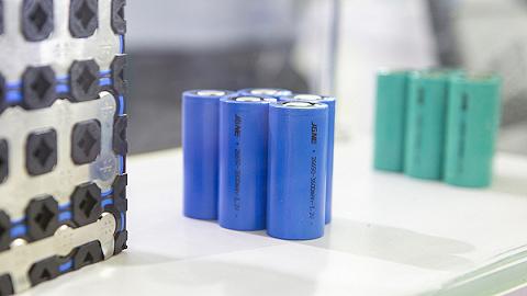 新能源汽车销售连续三月下降,锂电池上下游巨头业绩分化