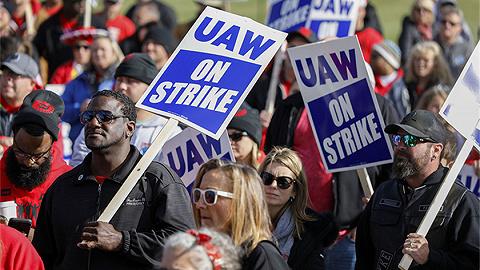 美国通用汽车与行业工会达成初步协议,罢工是否结束还看工人态度