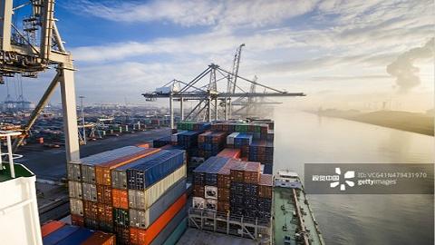 中国船企前三季度盈利同比增长1.5倍,但新接订单下降近三成
