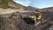 俄罗斯一金矿水坝坍塌致12死,员工宿舍被淹伤亡恐超80人