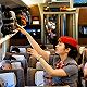 铁路公安回应外籍乘客拉高铁紧急制动阀:任何人违规都将依法处置