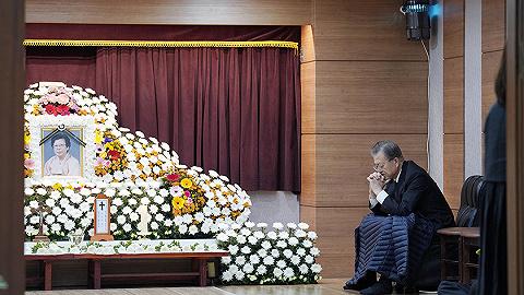金正恩发唁电,深切哀悼文在寅母亲去世