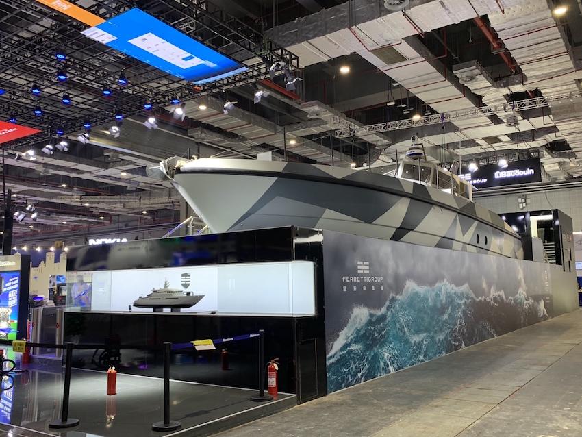 """高速巡逻艇、终极破碎机、中国订制挖机,这是进博会""""巨无霸""""最多的展区图2"""