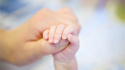 家属称产妇因医院未接收延误治疗而死亡,大庆卫健委:已介入调查