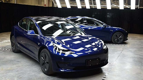国产特斯拉Model 3公开亮相,明年一季度大批量交付