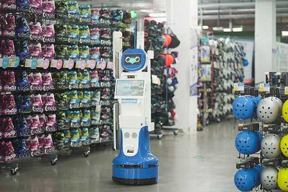 超越娱乐:充气帆船、潮流跑鞋、新零售机器人……多家国际运动品牌首登进博会图2