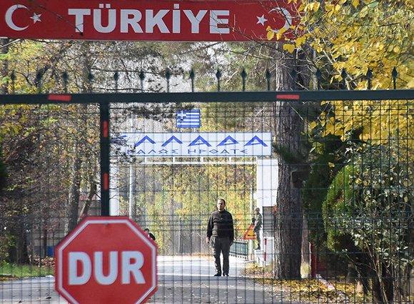 动真格:土耳其遣返外国ISIS囚犯,疑似美国成员被困边境无人区图3