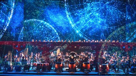 大型交响诗《英雄颂》首演,礼赞上海百年发展