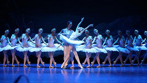 格鲁吉亚国家芭团首次来沪,演绎经典舞剧《天鹅湖》