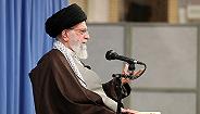 油价上涨引伊朗百城抗议,互联网遭封杀、最高领袖讲话挺政府