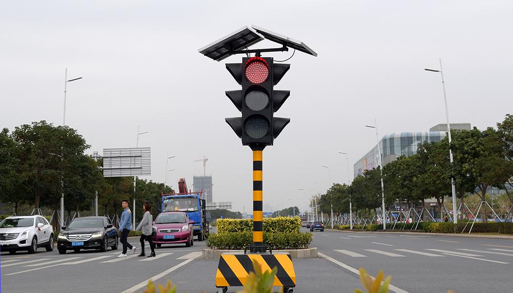 """深圳给公交车""""开绿灯"""",多个城市实施路口信号公交先行图2"""