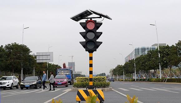 """深圳给公交车""""开绿灯"""",多个城市实施路口信号公交先行图1"""