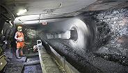 山东能源旗下煤矿发生事故11人被困,涉事煤矿曾迟报事故、违规操作