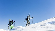 国外滑雪场的中国年轻人,迷恋的不止是速度与激情