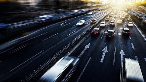 地方新闻精选|济南首班24小时公交乘客半数是代驾  南充一处吊车钢管坠落致18岁女生死亡