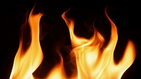 臺南市玉井區發生火災致7死2傷,21歲男子自首稱縱火