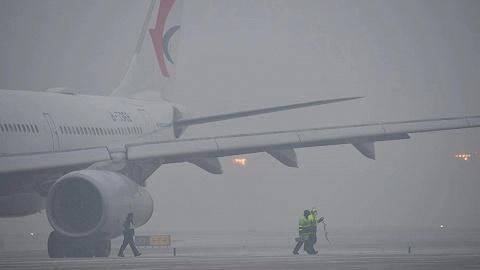 北方降雪進入集中階段,多地機場航班延誤取消