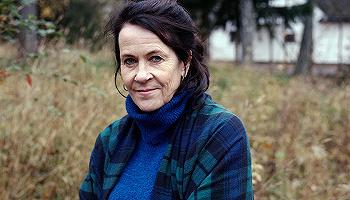 挪威自传体小说作家维吉斯·霍思:是以小说分裂家庭,还是以虚构讲述真相?