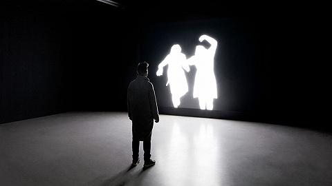 """一周影像资讯丨云看展""""解救""""巴塞尔艺术节;法国阿尔勒摄影节展览项目揭晓"""