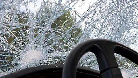 吉林乾安县今日凌晨发生交通事故,造成11人死亡5人受伤