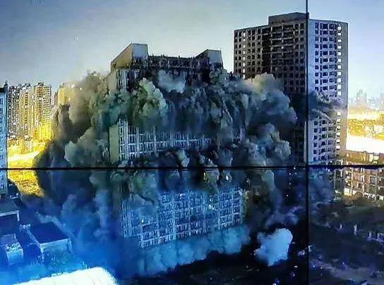 """上海中环著名""""烂尾楼""""爆破拆除,宝能计划5年后建成综合体"""