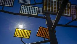 工业之美|装上这块透明太阳能电池,你家窗户也能发电