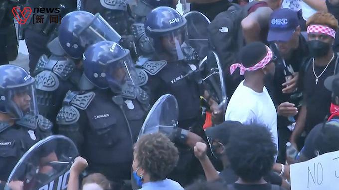 美國騷亂繼續,胡椒噴霧、電擊槍和反歧視T恤成亞馬遜暢銷貨