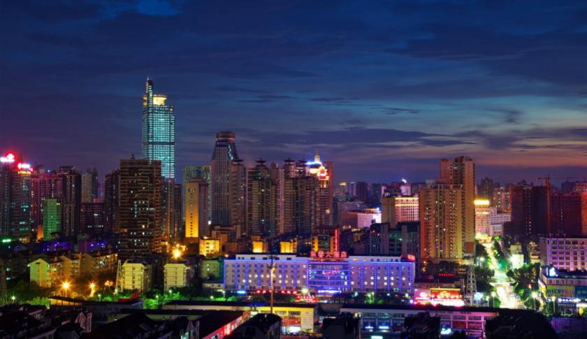 中西部经济总量_东中西部三大经济地带